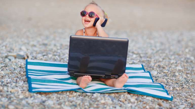 #Unplugged: Keeping kids off technology on your holiday